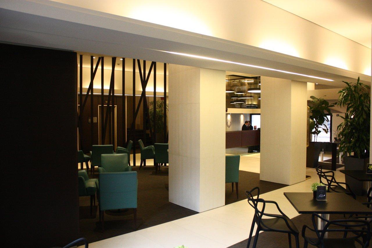 <strong>HOTEL MANIN &#8211; HALL e RISTORANTE<span><b>view larger</b></span></strong><i>&rarr;</i>