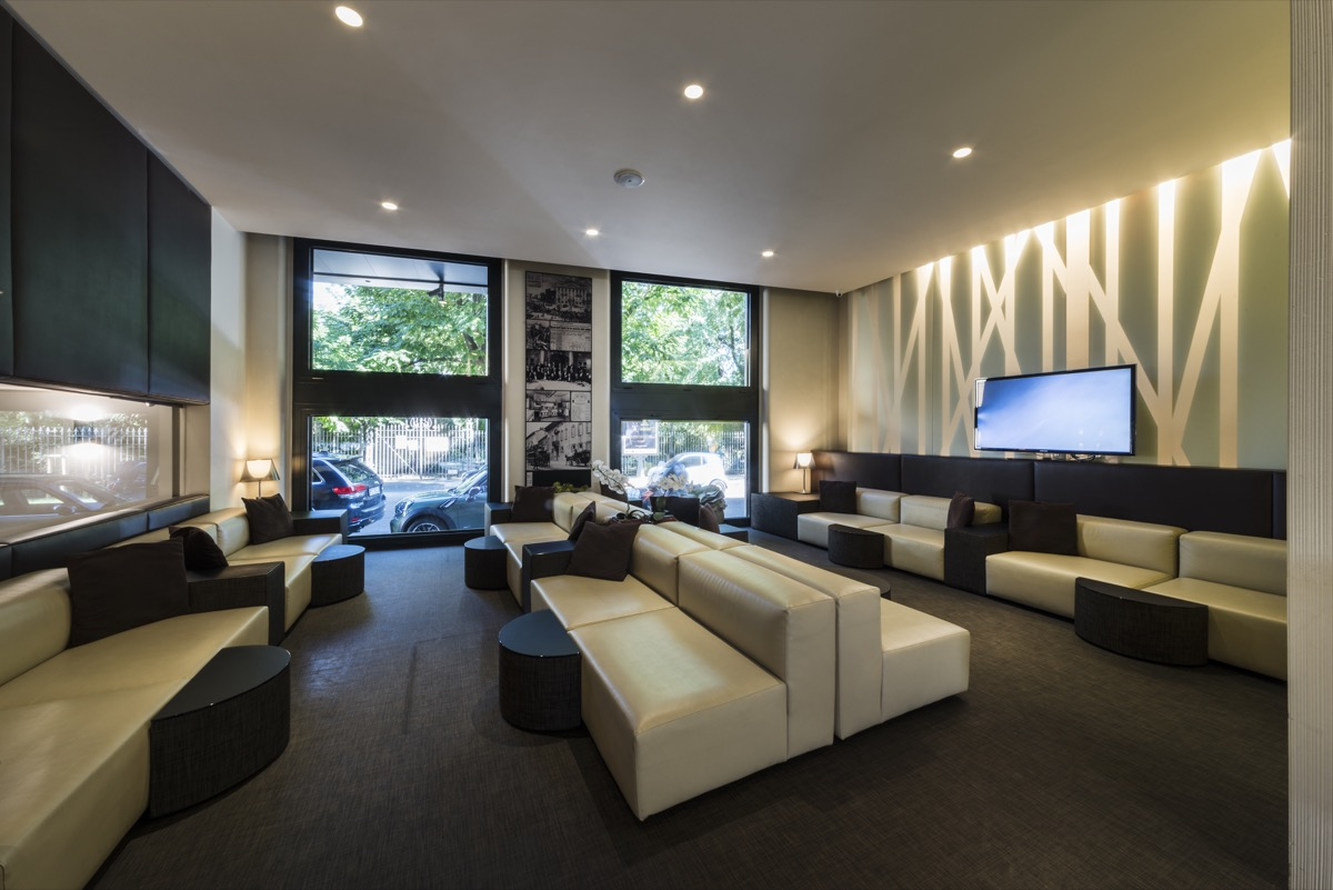 <strong>HOTEL MANIN – COMMON AREA<span><b>view larger</b></span></strong><i>→</i>