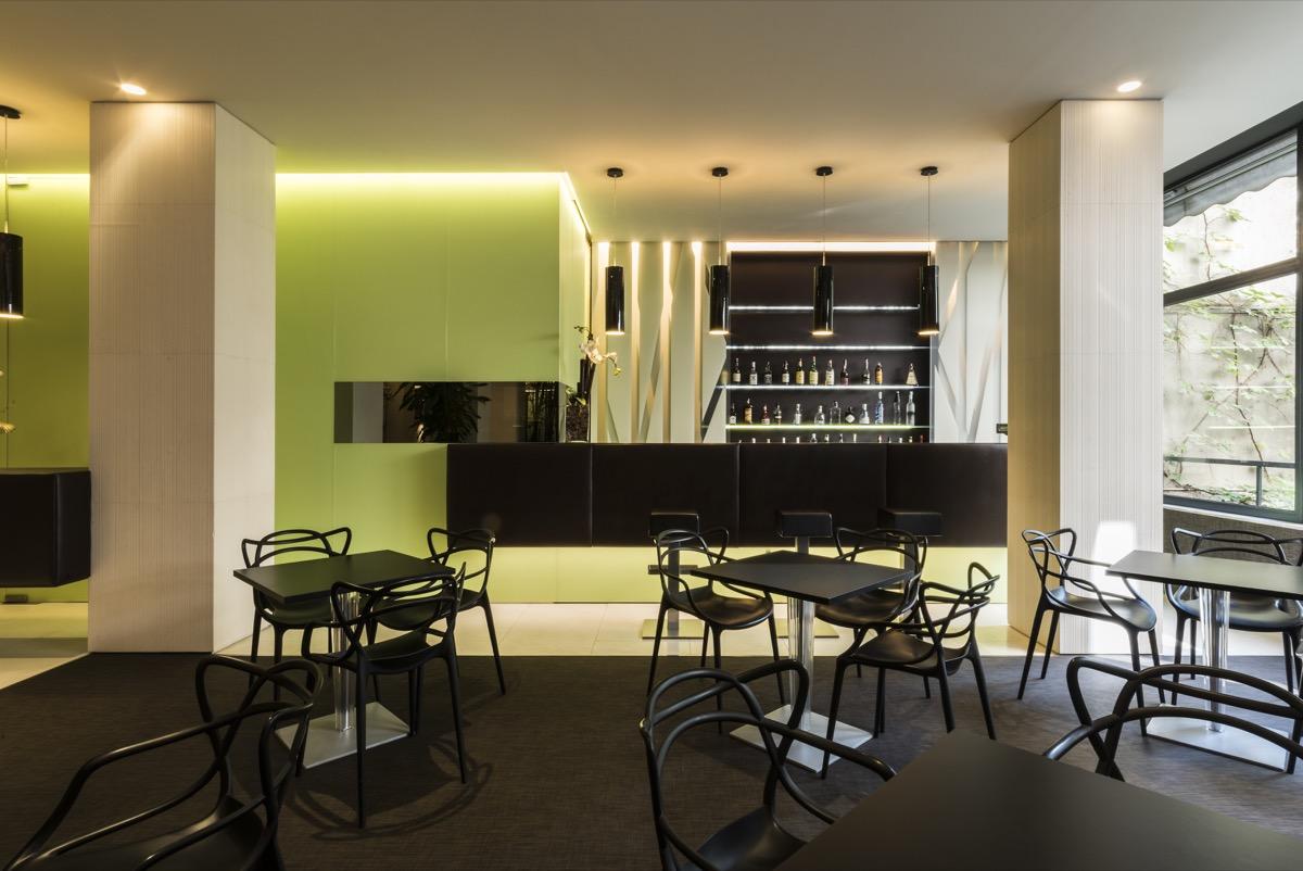 <strong>HOTEL MANIN- BAR & RESTAURANT<span><b>view larger</b></span></strong><i>→</i>